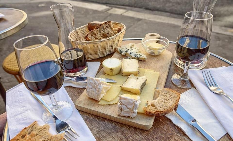 Vino i sir